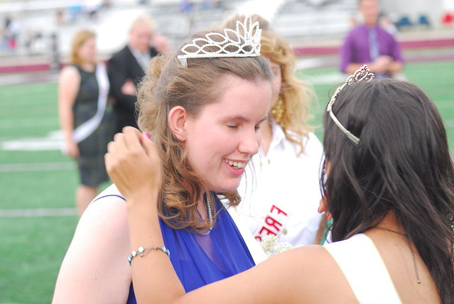Faith Manion crowned Homecoming Queen
